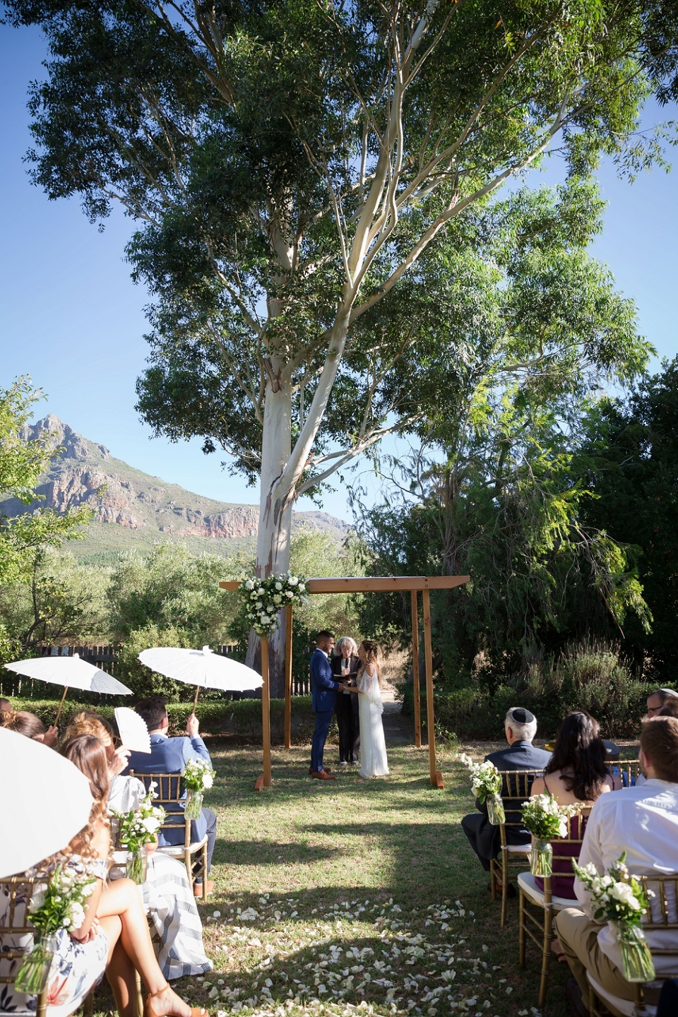 Paarl wedding photographer Karina Conradie Photography Paarl photographer Weddings Mountain Shadows Stellenbosch Wedding Photographer (85)